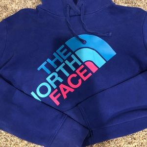 North face hoodie! Size large fits like medium!